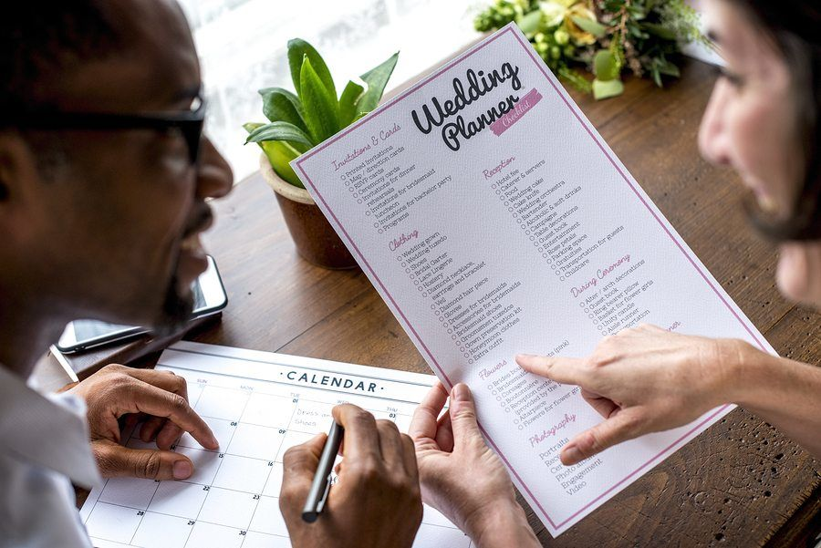Couple decision for wedding planner