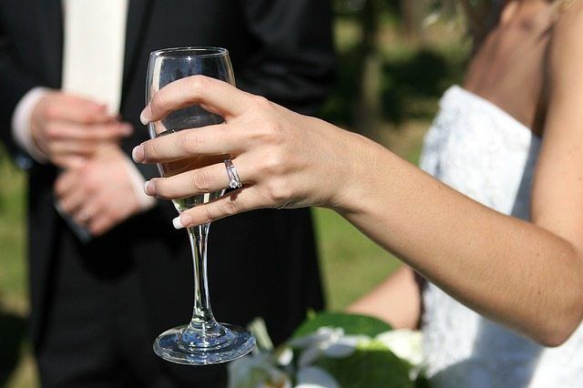 wedding drinking glasses