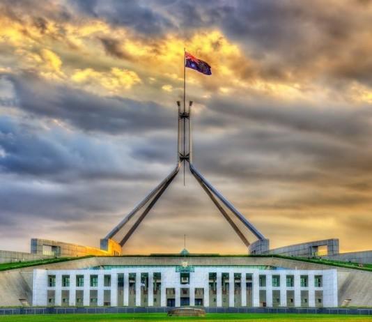 Pauline Hanson fails to disclose snorkelling trip