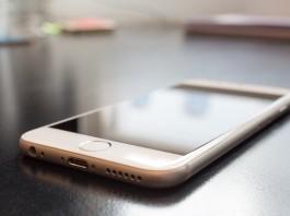 iPhone battery Apple