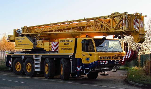 Solve your construction problems by hiring mobile cranes