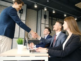 8 tips for finding a job