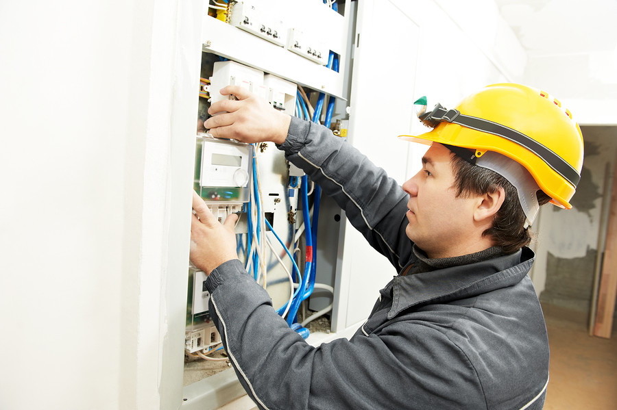 Finding a residential electrician in your area for How to find a good builder in your area
