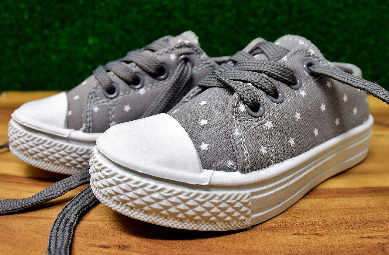 Essential Tips for Choosing Children's Shoes
