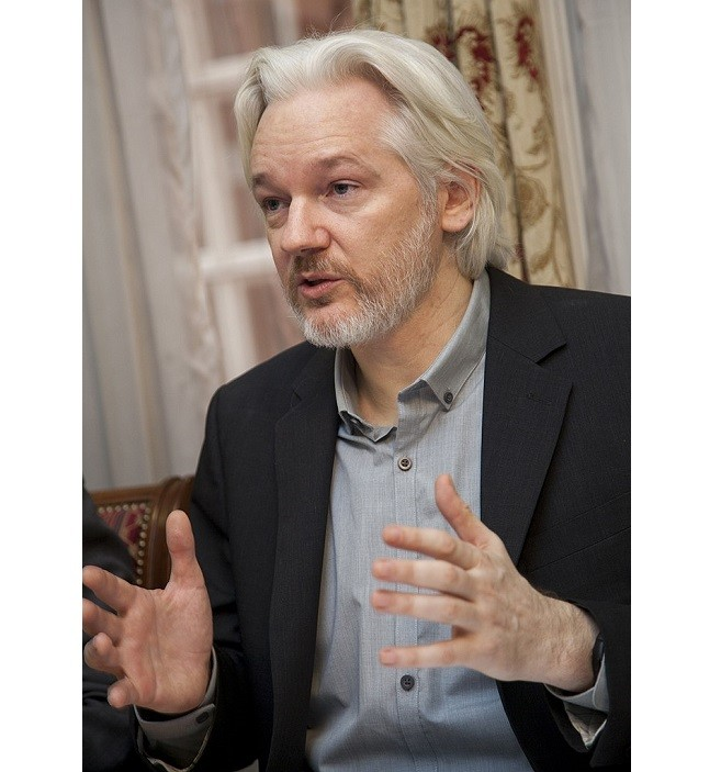 Julian Assange cut off from the internet by Ecuador government