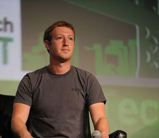 Facebook Mark Zuckerberg Cambridge Analytic