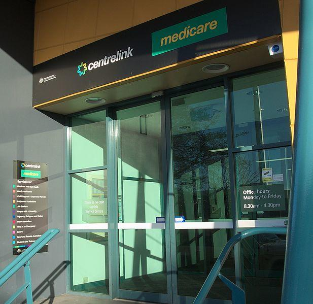 Government gives Centrelink 1000 more call centre operators