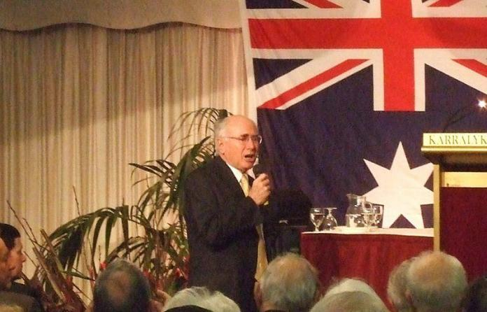 John Howard tells Liberals to work together and support Malcolm Turnbull