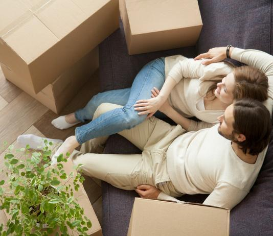 5 Reasons to hire removalists when moving from a different city
