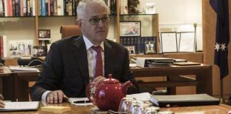 """Turnbull accuses Shorten of declaring """"war on business"""", again"""