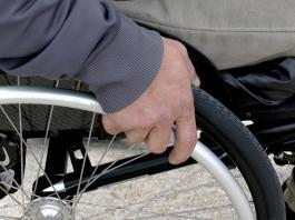 NDIS architect claims 'no excuse' for Government staffing caps