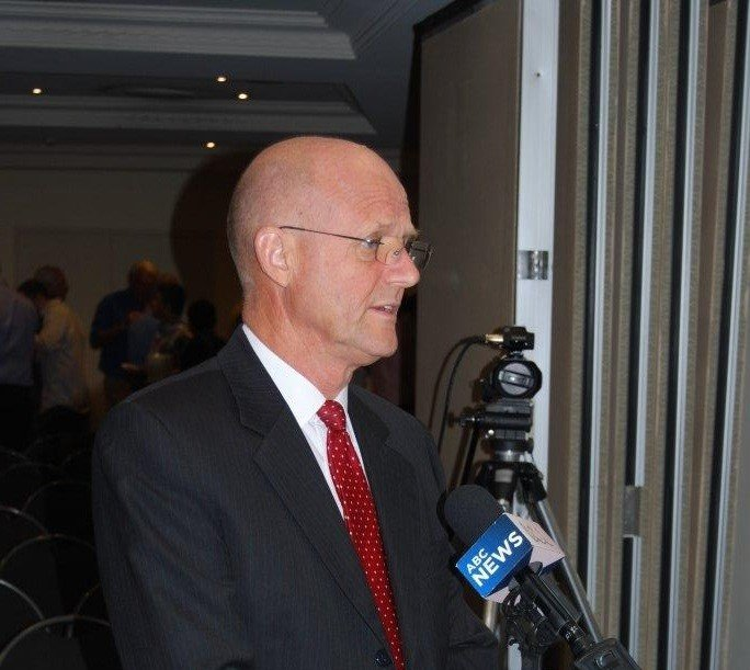 "David Leyonhjelm claims his comments were ""just abuse"""