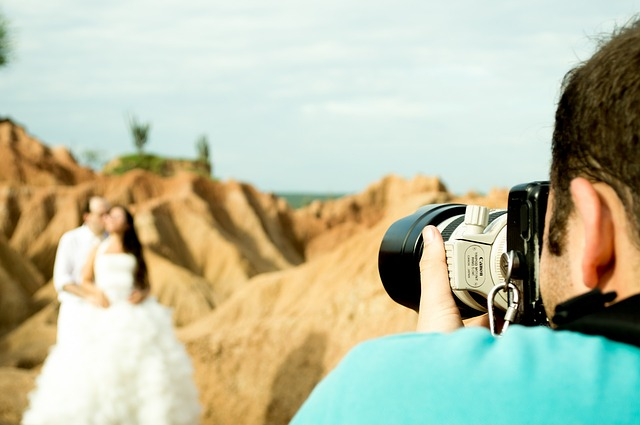 Why you need to hire only a professional wedding photographer