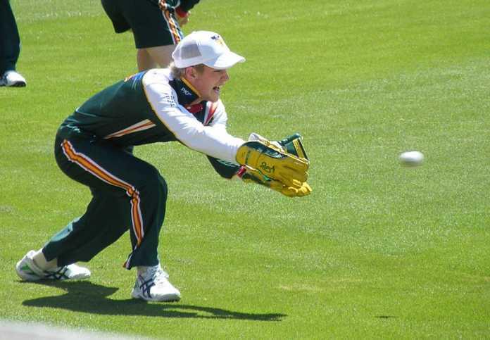 Khawaja heroics steer Australia to a draw in Dubai