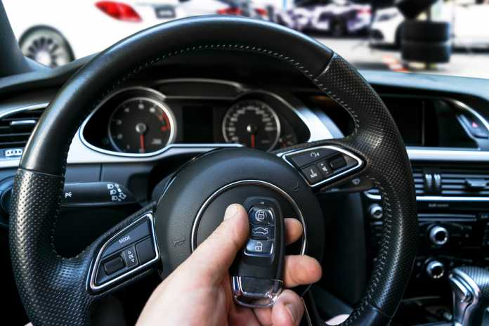 Why you should consider installing a keyless entry system for your car