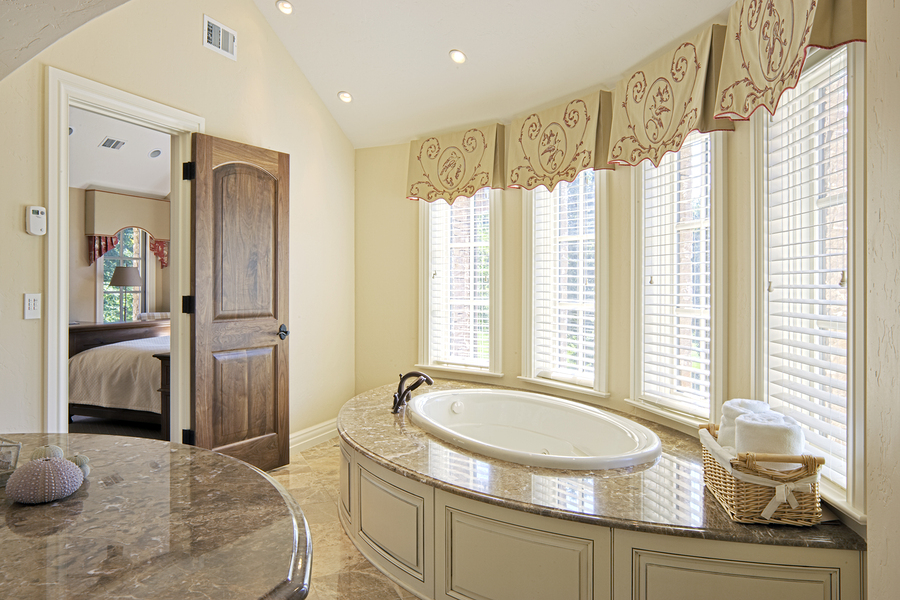 Elegant bathroom and large tub
