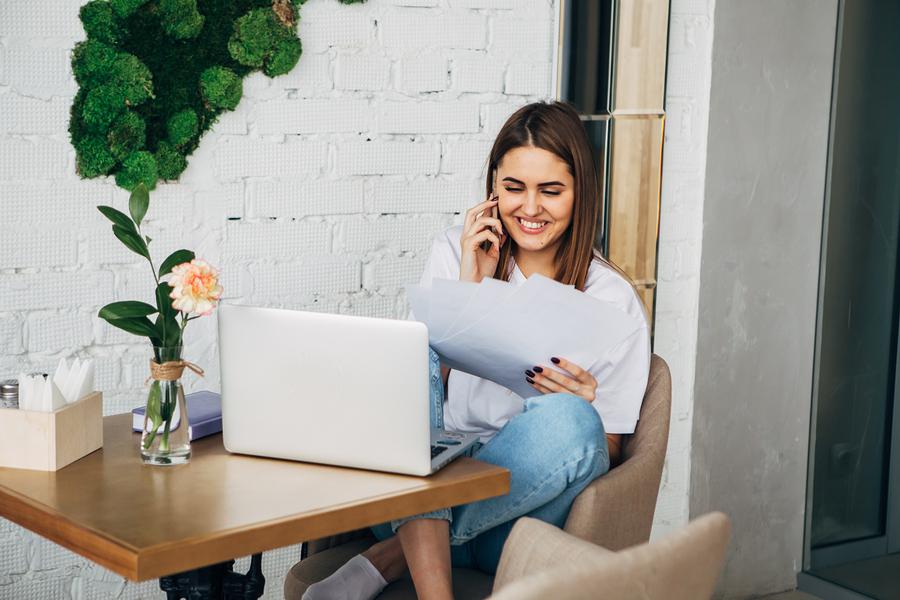 Freelancer making money online in Australia
