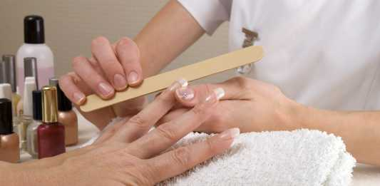 A comprehensive guide on nail salon etiquette