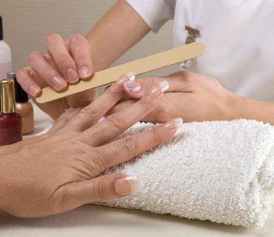 A comprehensive guide on nail salon etiquette