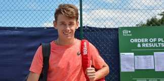 De Minaur becomes youngest since Hewitt to win Sydney International