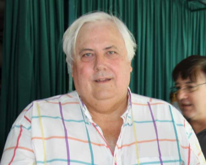 Clive Palmer under fire for claiming links to Lyons and Menzies