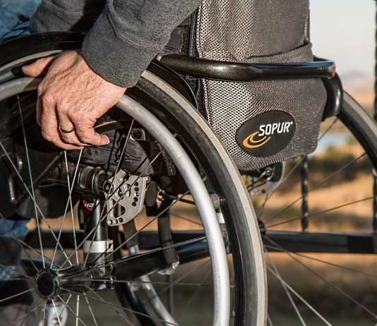 Greens push for more accessible infrastructure for disabled Australians