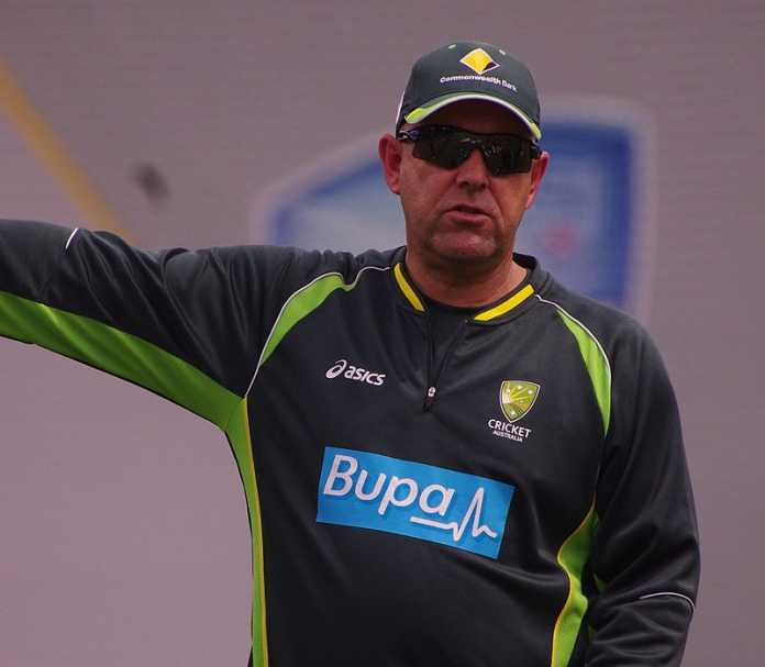 Darren Lehmann clashes with Brett Lee over bowling coach role