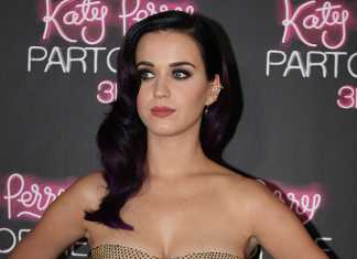 Katy Perry engaged to Orlando Bloom