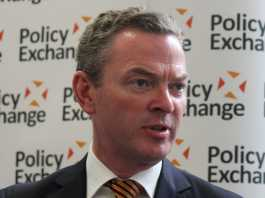 Pyne warns medical transfer bill could jeopardise border security