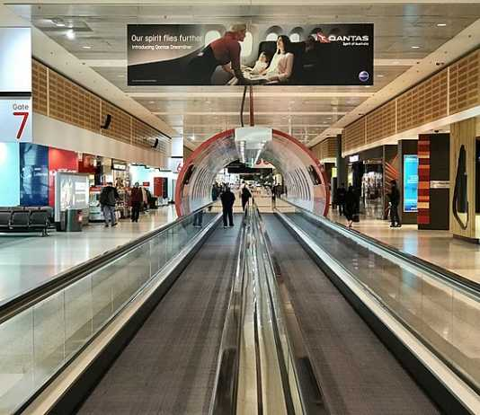 Productivity Commission finds Sydney Airport curfew is creating problems