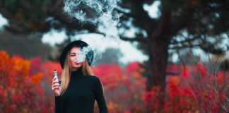 Electronic cigarettes may help people quit smoking, study suggests