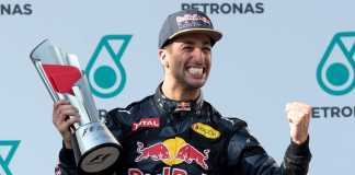 Daniel Ricciardo's luckless run continues at Renault