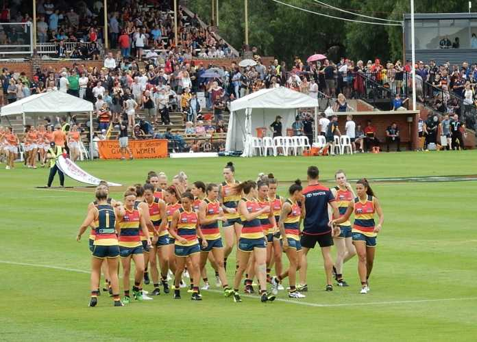 How the gimmicky AFLX is destroying the AFLW this season