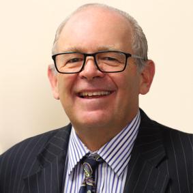 Dr Geoff Matthews - Whitehouse Optometrists