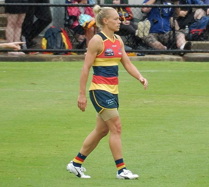 Adelaide Crows claim second AFLW title at home against Carlton
