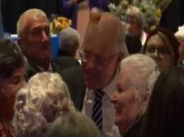 Prime Minister Scott Morrison egged at Albury campaign event