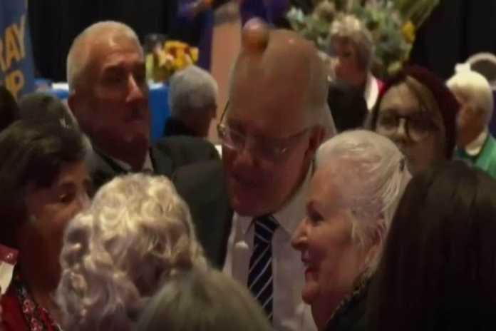 Prime Minister Scott Morrison egged at Albury campaign event