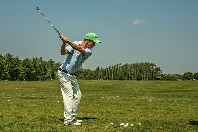 Golf attire guidelines for summer and winter