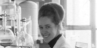 Documents reveal the exclusion of a female IVF pioneer from a memorial plaque