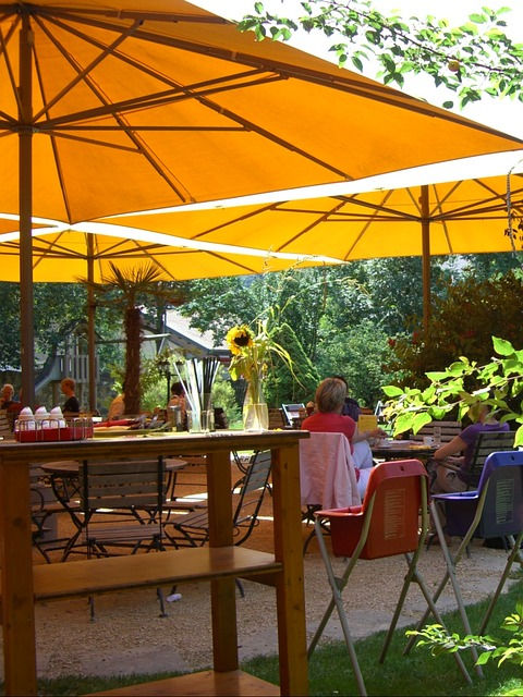 Custom shade sails: affordable and attractive choice for your outdoor space