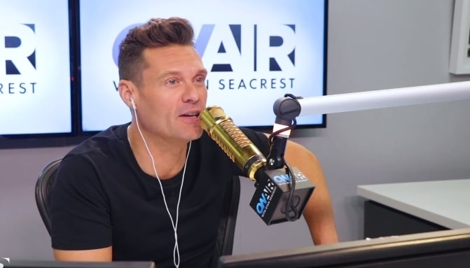 Ryan Seacrest couldn't get into Jennifer Lopez' party after flying to Miami