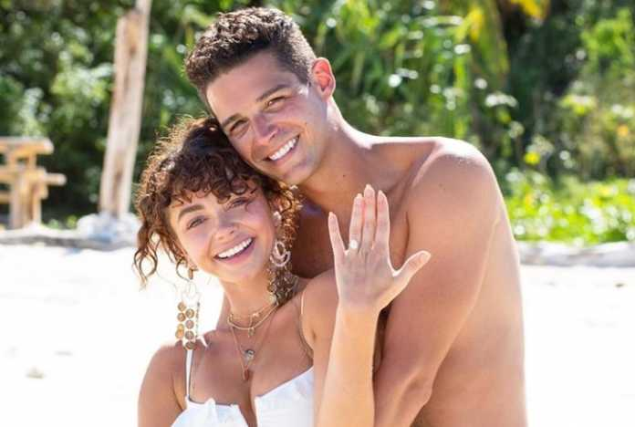 """Wells Adams on proposal to Sarah Hyland: """"there's so much stress"""""""