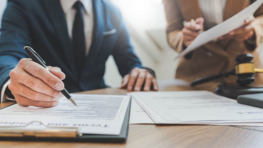 Melbourne's Best Contract Lawyers
