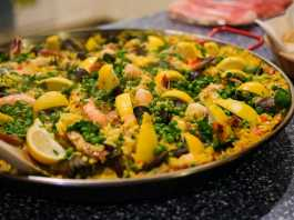 How to organise paella catering in Sydney