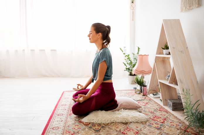 Throw out depression by practicing these yoga poses