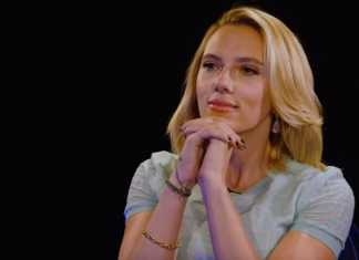 "Scarlett Johansson is ""pushing"" Marvel for an all-female movie"
