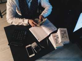 Business cash-flow problems accountant