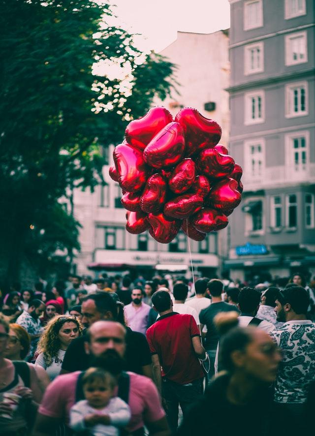 Design Your Own Balloon Centrepieces red heart balloons
