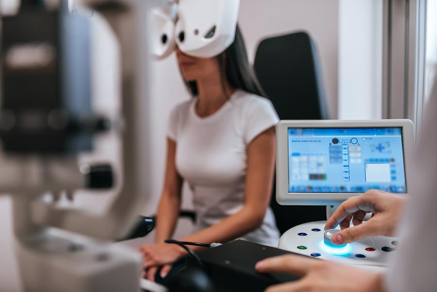 Extensive eye examination