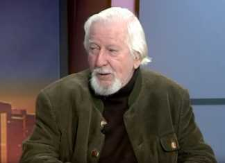 Caroll Spinney of Sesame Street's Big Bird and Oscar the Grouch dies